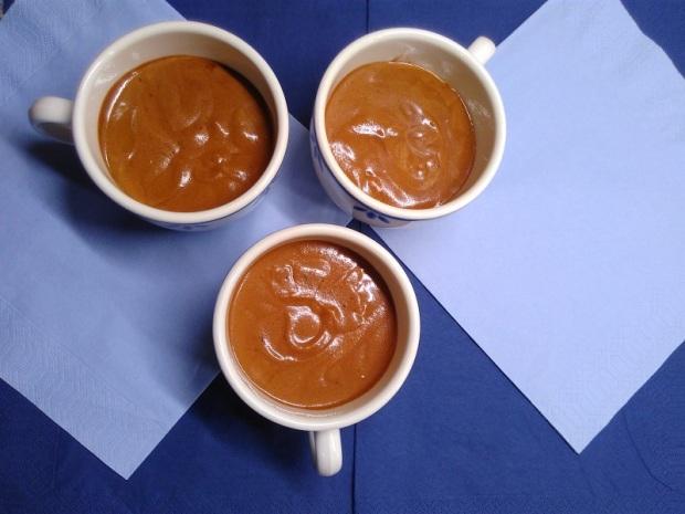 fluffy-vegan-chocolate-mousse-with-aquafaba-2