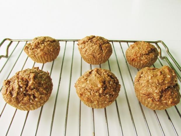 healthy-vegan-banana-sesame-bran-muffins-1