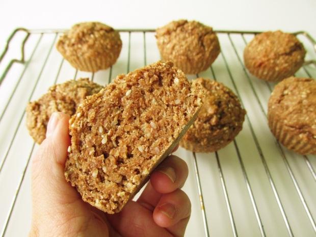 healthy-vegan-banana-sesame-bran-muffins-3