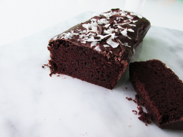 vegan-chocolate-cake-with-coconut-1